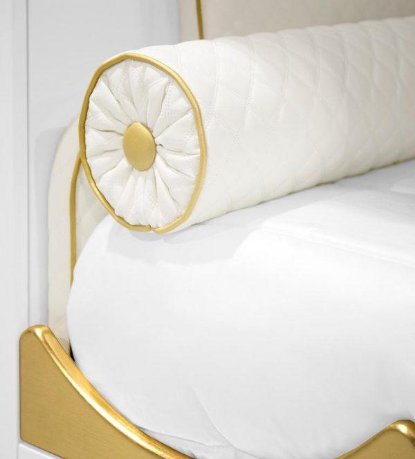 Kings & Queens bed